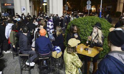 Ευρώπη: Η ζωή επιστρέφει – Σταδιακό άνοιγμα τουρισμού και δραστηριοτήτων (vid)